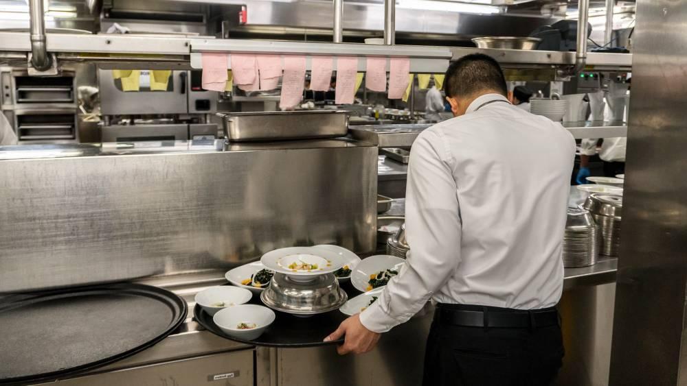 5 Storkjøkkenmaskiner som trenger profesjonell rengjøring